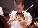 Homenaje a Tchaikovsky. El Lago de los Cisnes: Cisne tocando el violín.